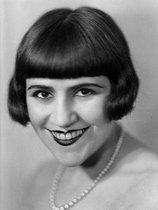 Roger-Viollet   644088   Marie Dubas (1894-1972), French singer. France, around 1930.   © Henri Martinie / Roger-Viollet