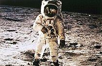 Roger-Viollet | 644987 | Mission spatiale américaine Apollo XI. L'astronaute américain Aldrin sur la surface de la lune. 20 juillet 1969. | © Roger-Viollet / Roger-Viollet