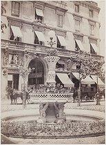Roger-Viollet | 652659 | Fountain, place de la Madeleine. Paris (VIIIth arrondissement), 1870. Photograph by Charles Marville (1813-1879). Bibliothèque historique de la Ville de Paris. | © Charles Marville / BHVP / Roger-Viollet