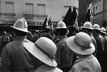 Roger-Viollet | 653854 | Trouville-sur-Mer (Calvados, France), on July 13, 1983. | © Jean-Pierre Couderc / Roger-Viollet