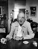 Roger-Viollet | 656044 | André Dhôtel (1900-1991), French writer. Paris, 1983. | © Bruno de Monès / Roger-Viollet