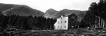 Roger-Viollet | 660291 | Massif of Canigou (Eastern-Pyrenees). | © Léon & Lévy / Roger-Viollet