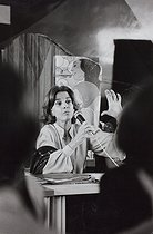 Roger-Viollet | 666434 | GENERAL ASSEMBLY OF THE FEMIISIT MOVEMENT CHOISIR. PRESIDENT: FRENCH LAWYER GISELE HALIMI | © Janine Niepce / Roger-Viollet