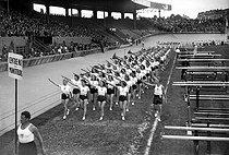 Roger-Viollet | 670651 | World War II. Athletes taking the oath. Paris, parc des Princes, June 29th, 1941. | © LAPI / Roger-Viollet