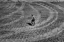 Roger-Viollet | 675784 | Construction of the Serre-Ponçon dam. France, 1957. Photograph by Jean Marquis (1926-2019). | © Jean Marquis / Roger-Viollet
