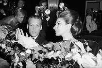 Roger-Viollet | 682637 | Maria Callas (1923-1977), Greek opera singer and Alexander  Sandy  Bertrand in the official reception of Ribes at Maxim's in Paris. | © Jack Nisberg / Roger-Viollet