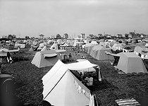 Roger-Viollet | 686178 | The camping-site of Blonville-sur-Mer (Calvados). | © CAF / Roger-Viollet
