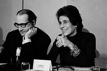 Roger-Viollet | 686488 | Françoise Giroud (1916-2003) and François Mitterrand (1916-1996), during a socialist meeting about the Liberation of Women, feminist movement. 1972. Photograph by Janine Niepce (1921-2007). | © Janine Niepce / Roger-Viollet