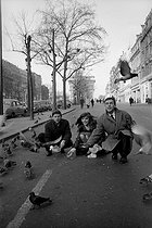 Roger-Viollet | 687799 | Jean-Louis Trintignant (born in 1930), French actor and director, Barbara Lass (1940-1995), Polish actress and wife of Roman Polanski (born in 1933), Polish-born French director, producer and scriptwriter. Paris, Januay 1960. | © Bernard Lipnitzki / Roger-Viollet