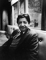 Roger-Viollet | 687988 | V. S. Naipaul (Vidiadhar Surajprasad Naipaul, 1932-2018), British writer from Trinidad and Tobago. Paris, May 1984. | © Bruno de Monès / Roger-Viollet