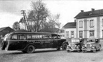 Roger-Viollet | 690281 | Bus. | © Neurdein / Roger-Viollet