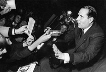 Roger-Viollet | 692107 | François Mitterrand (1916-1996), French politician, during a meeting between the two rounds of the presidential election. Toulouse (France), on December 17, 1965. | © Jean-Régis Roustan / Roger-Viollet