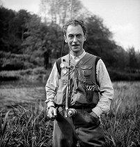 Roger-Viollet   696467   Charles Ritz, fils de César Ritz, grand pêcheur.   © Tony Burnand / Roger-Viollet
