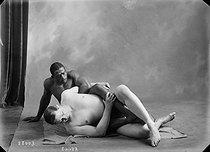 Roger-Viollet | 705122 | Wrestling | © Maurice-Louis Branger / Roger-Viollet