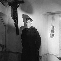 Roger-Viollet   705192    Léon Morin, prêtre    © Alain Adler / Roger-Viollet