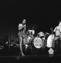 Roger-Viollet | 707750 | Liza Minnelli at Olympia. Paris, 1969. | © Patrick Ullmann / Roger-Viollet