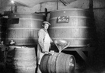 Roger-Viollet | 712479 | Cave de vin de Champagne  Moët et Chandon , Epernay (Marne), 1941. | © LAPI / Roger-Viollet
