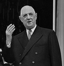 Roger-Viollet | 718090 | Charles de Gaulle (1890-1970), President of the French Republic, at the Elysee Palace. Paris, on February 7, 1966. | © Roger-Viollet / Roger-Viollet