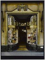 Roger-Viollet | 723116 |  Bally , shop store, 22 avenue de l'Opéra. Paris (Ist arrondissement), 1982. Photograph by Felipe Ferré (born in 1934). Paris, musée Carnavalet. | © Felipe Ferré / Musée Carnavalet / Roger-Viollet