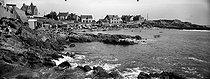 Roger-Viollet | 726066 | Batz-sur-Mer (Loire-Atlantique). La plage. | © Léon & Lévy / Roger-Viollet