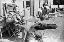Roger-Viollet | 730326 | Louis-Ferdinand Céline (1894-1961), French writer. Meudon (Hauts-de-Seine), 1955-1956. | © Bernard Lipnitzki / Roger-Viollet
