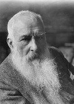 Roger-Viollet | 731695 | Claude Monet (1840-1926), French painter, around 1915-1920. | © Pierre Choumoff / Roger-Viollet