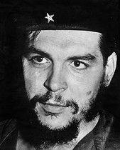Roger-Viollet | 733801 | Che Guevara (Ernesto Rafael Guevara, 1928-1967), Argentine-born Cuban revolutionary. | © Gilberto Ante / BFC / Roger-Viollet