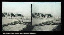 Roger-Viollet | 745097 | Andree expedition to the North Pole. Spitzberg, in the Smerenburg. Danus Gath. | © Léon & Lévy / Roger-Viollet