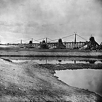 Roger-Viollet | 746274 | Construction of the Suez canal (Egypte). Dredges, 1869. | © Roger-Viollet / Roger-Viollet