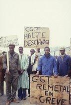 Roger-Viollet | 746487 | Migrant workers on strike at the Remetal factory. Saint-Arnoult-en-Yvelines (France), 1983. | © Georges Azenstarck / Roger-Viollet