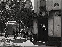 Roger-Viollet | 747576 | Café at the corner of the rue de Lancry and the canal Saint-Martin. Paris (Xth arrondissement), 1950's. Photograph by Janine Niepce (1921-2007). | © Janine Niepce / Roger-Viollet