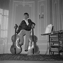 Roger-Viollet | 750777 | Maurice Baquet | © Gaston Paris / Roger-Viollet