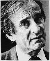 Roger-Viollet | 754601 | Elie Wiesel (1928-2016), Romanian-born American writer. Nobel Laureate and Holocaust survivor. Paris, 1987. | © Bruno de Monès / Roger-Viollet
