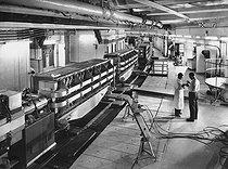 Roger-Viollet | 755133 | Synchroton (accélérateur de particules) du CERN (Centre Européen de Recherches Nucléaires) de Genève, 1960. | © Jacques Boyer / Roger-Viollet