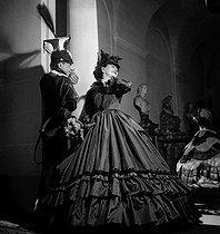 Roger-Viollet | 767031 | Coco Chanel et Fulco di Verdura | © Boris Lipnitzki / Roger-Viollet