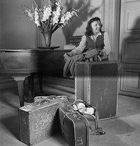 Roger-Viollet | 767169 | Edith Piaf | © Gaston Paris / Roger-Viollet