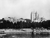 Roger-Viollet | 769681 | The world fair of 1889 in paris. The  Tour du Temple | © Roger-Viollet / Roger-Viollet