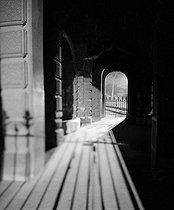 Roger-Viollet | 785509 | Paris by night. | © Pierre Jahan / Roger-Viollet