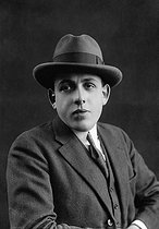 Roger-Viollet | 785691 | Francis Poulenc (1899-1963), French composer. | © Pierre Choumoff / Roger-Viollet