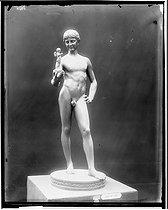Roger-Viollet | 785793 | Sculpture | © Léopold Mercier / Roger-Viollet