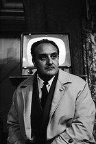 Roger-Viollet | 789386 | Pierre Tchernia (1928-2016), French director and television presenter, 1959. | © Bernard Lipnitzki / Roger-Viollet