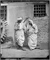 Roger-Viollet | 791747 | Couple of Fellahs. Egypt, circa 1865. | © Léon & Lévy / Roger-Viollet