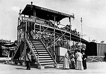 Roger-Viollet | 792995 | Foire du Trône. Overall view of the roller-coaster. Paris, 1908. | © Jacques Boyer / Roger-Viollet