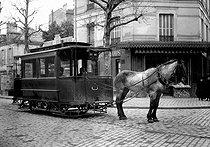 Roger-Viollet   793659   Streetcar on horseback. Paris, about 1910.   © Albert Harlingue / Roger-Viollet
