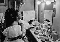 Roger-Viollet   805137   Joséphine Baker (1906-1975), American dancer and singer, during her last show. Paris, 1975.   © Jack Nisberg / Roger-Viollet