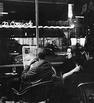 Roger-Viollet | 807900 | La Coupole café. Paris, 1957. Photograph by Janine Niepce (1921-2007). | © Janine Niepce / Roger-Viollet