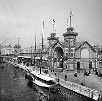 Roger-Viollet | 810640 | Exposition universelle de 1889, Paris. Exposition de sauvetage et pavillon des industries maritimes. | © Léon & Lévy / Roger-Viollet