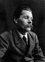 Roger-Viollet | 811863 | Maxime Gorki (1868-1936), Soviet writer. Paris, 1912. | © Pierre Choumoff / Roger-Viollet