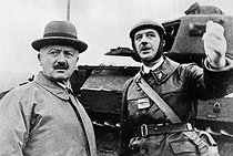 Roger-Viollet | 817033 | Colonel Charles De Gaulle explaining to President Albert Lebrun a manoeuvre by the tanks of the Vth army, October 1939. | © Roger-Viollet / Roger-Viollet
