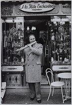 Roger-Viollet | 822925 | Jean-Pierre Rampal (1922-2000), French flautist, March 1977. Photograph by Jean Marquis (1926-2019). Bibliothèque historique de la Ville de Paris. | © Jean Marquis / BHVP / Roger-Viollet